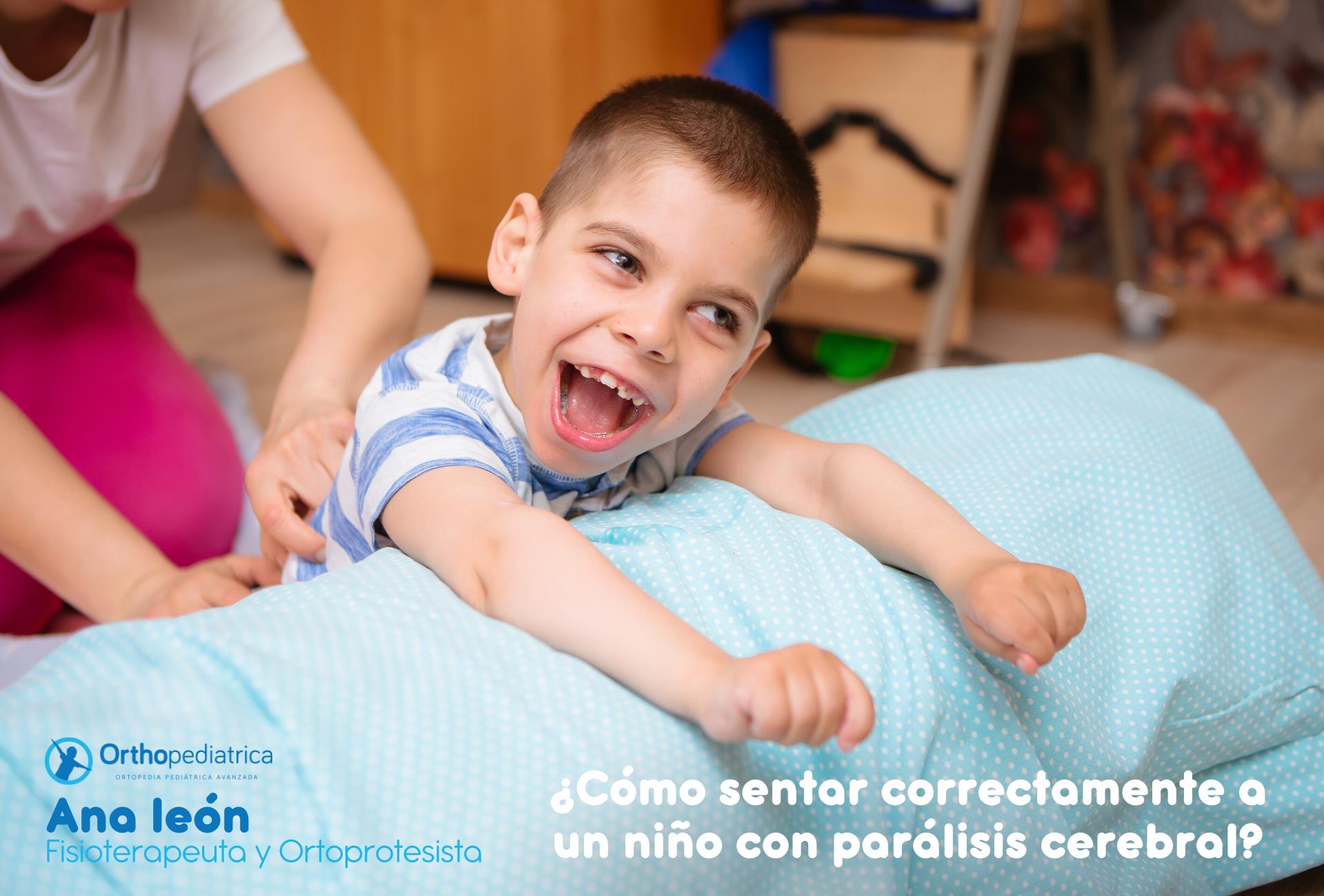Foto de un niño con parálisis cerebral